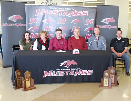 MCHS Senior Signs with Rend Lake College