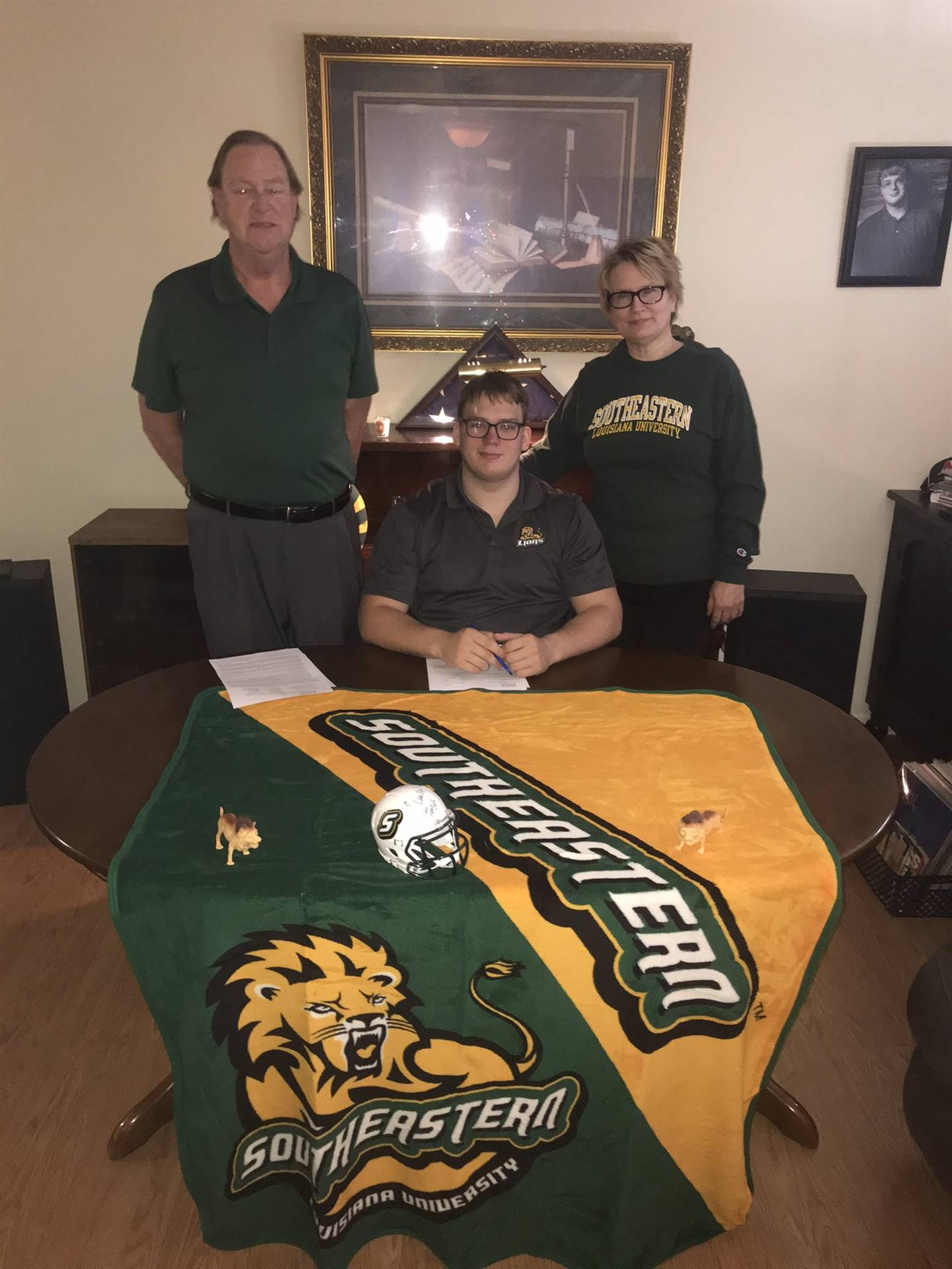Blakley Miller signs with Southeastern Louisiana University to play Football