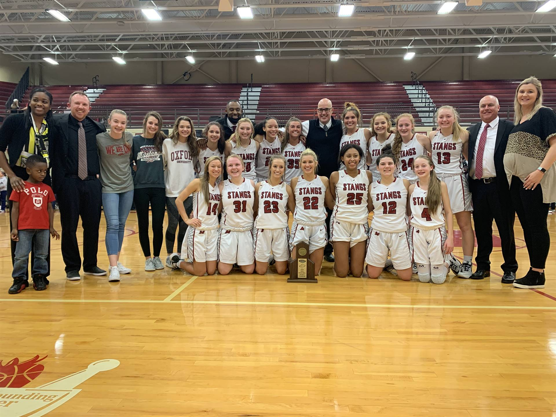Mustangs Women's Basketball - 2020 District Champions!