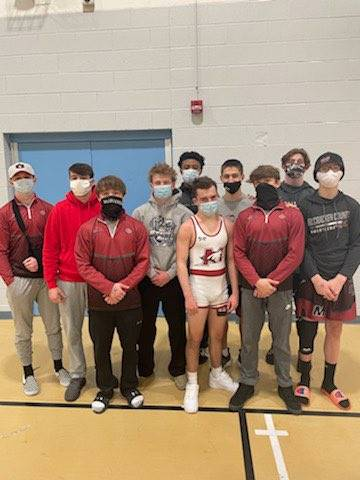 Mustangs Wrestlers Advance to State!