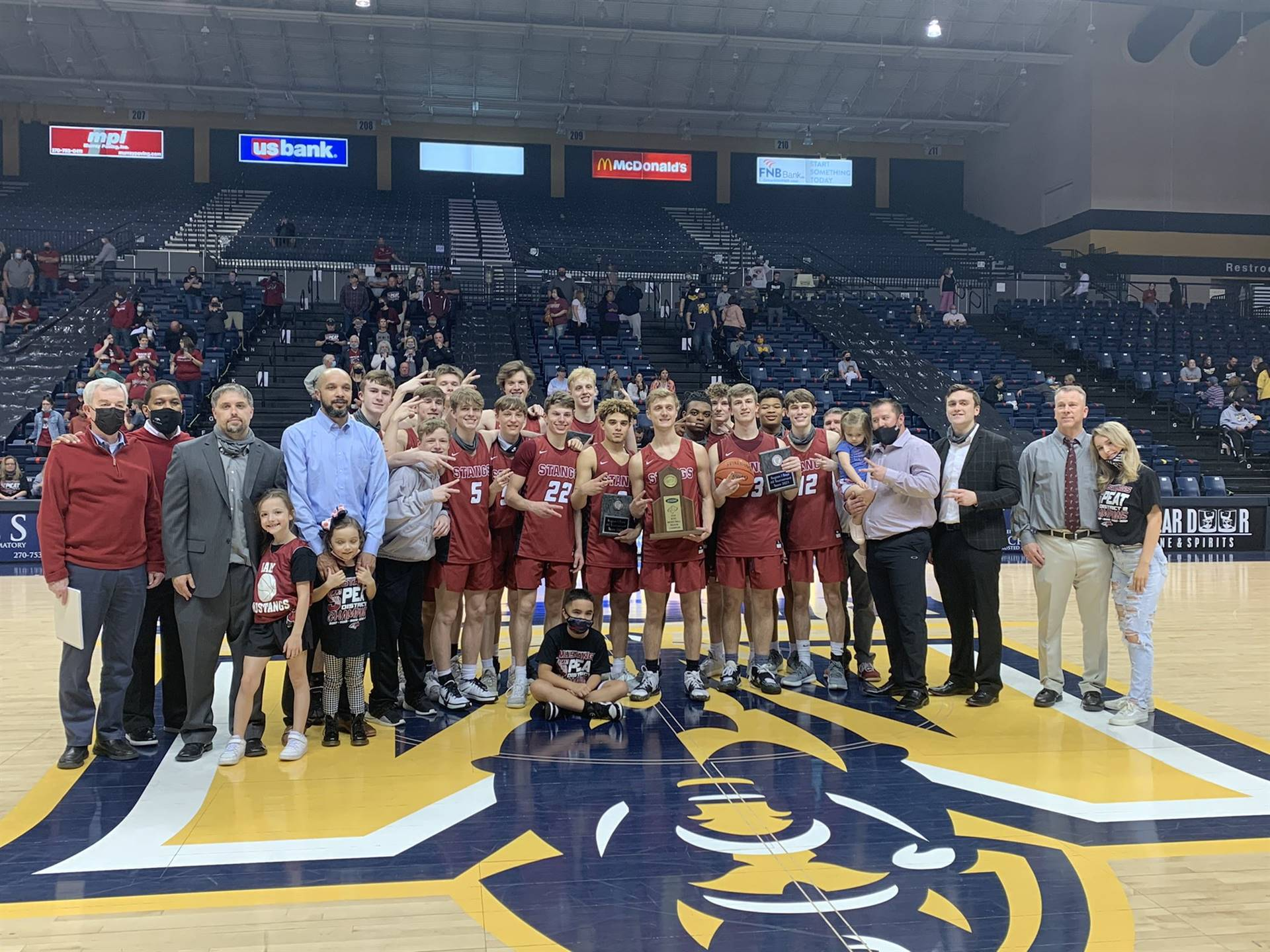 Mustangs Men's Basketball - 2021 Region Champions!!