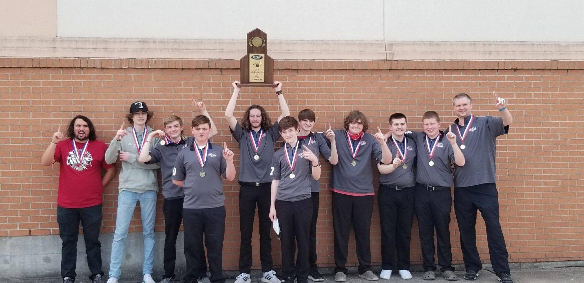 Mustangs Men's Bowling - 2021 KHSAA State Champions!