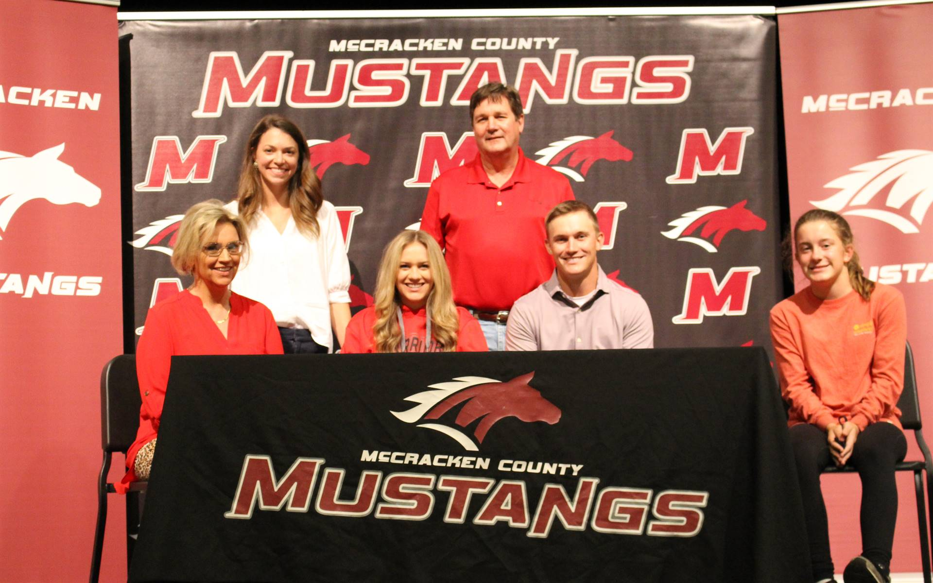 Adeline Edwards signs with Rend Lake College to play golf