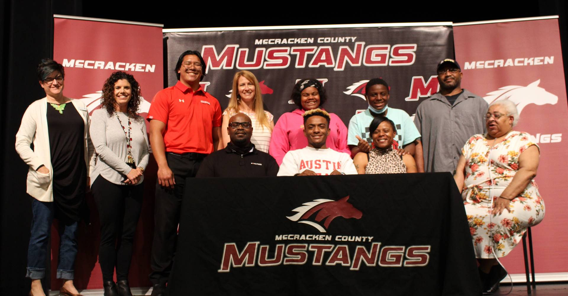 Elijah Patrick signs with Austin Peay to cheer