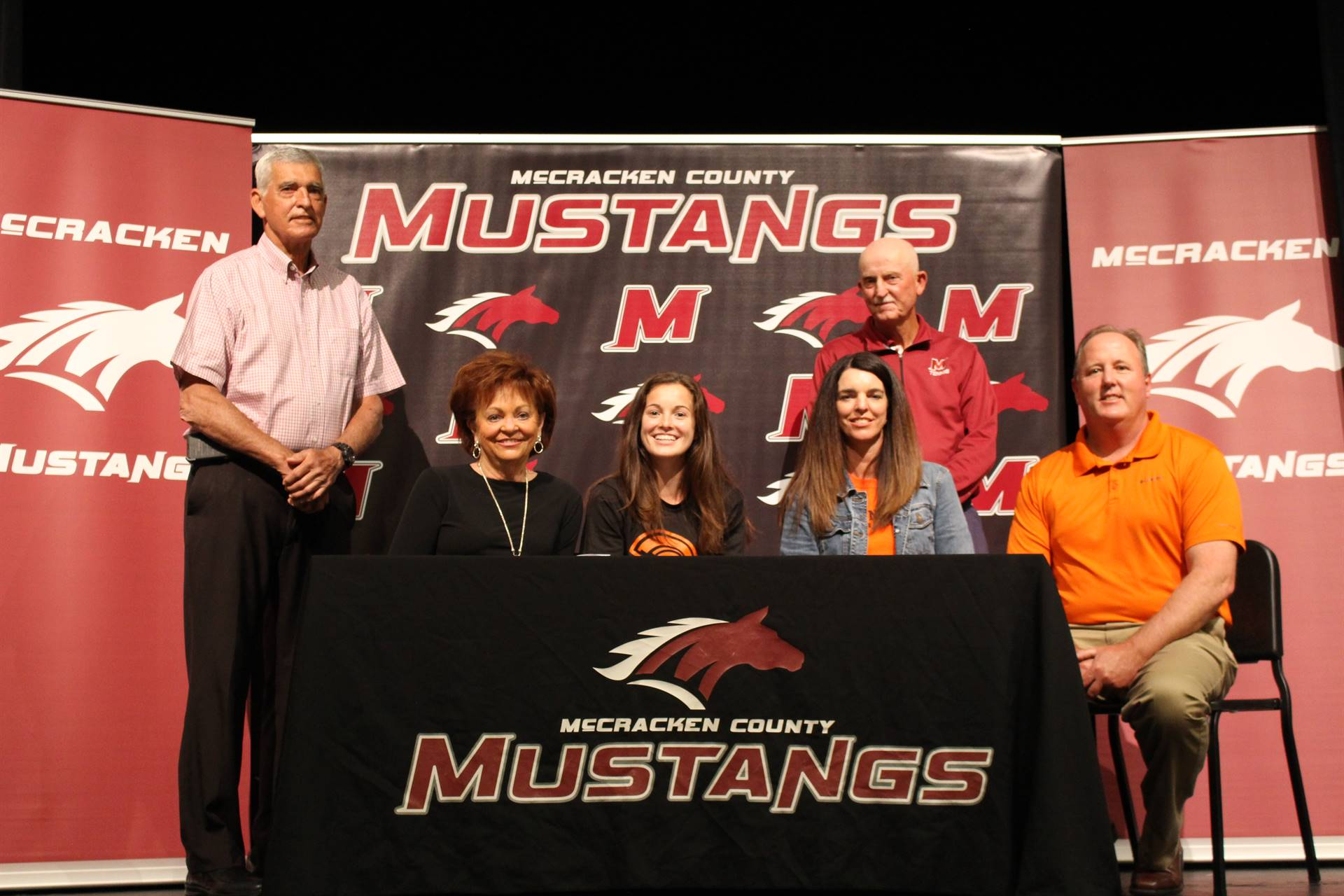 Shelby Puryear signs with Indiana Tech to play tennis